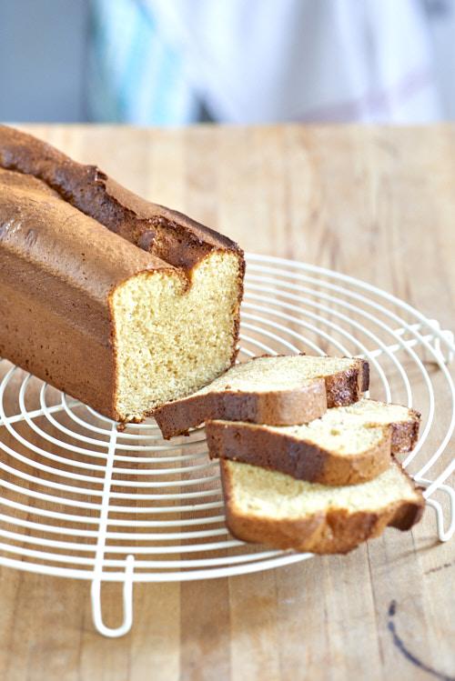 recette de Cake au lait concentré sucré et amandes