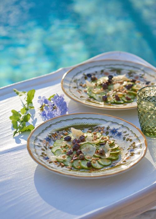 photo culinaire de Carpaccio de courgette aux olives taggiasche et parmesan