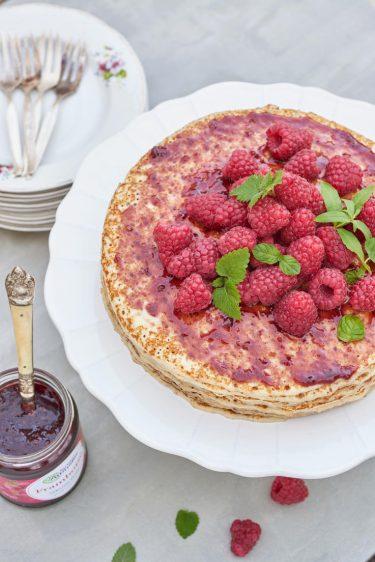recette de Gâteau de crêpes à la confiture de framboise