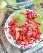 recette de Salade fraises framboises et mélisse