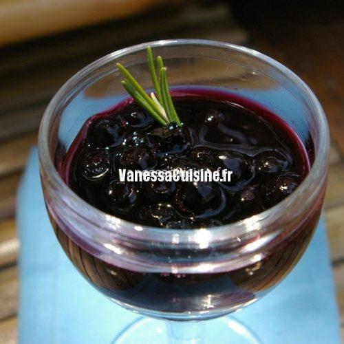 recette de soupe de vin rouge aux myrtilles et au romarin