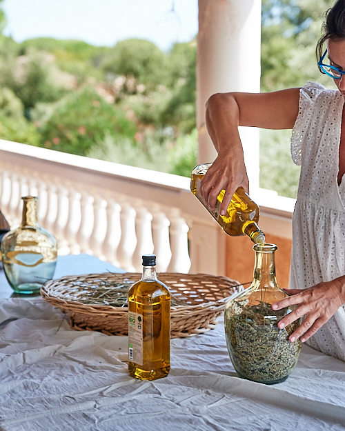 verser huile olive sur lavande 1