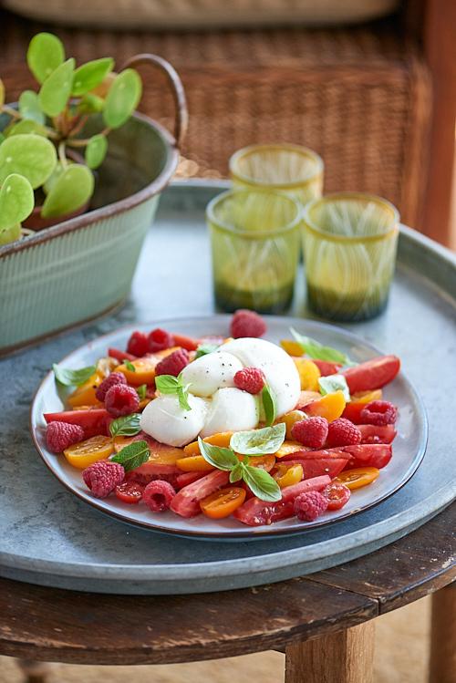 photo culinaire de Salade de tomates et pêches à la mozzarella