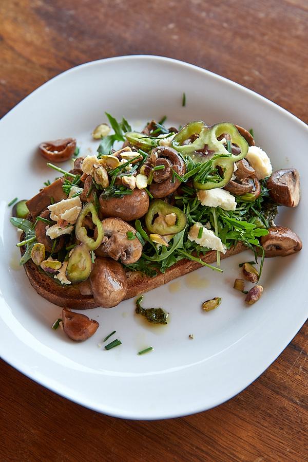 recette de Tartine aux champignons de Paris